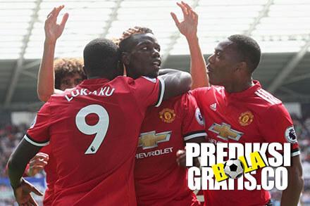 swansea, manchester united, premier league, liga inggris, Manchester United Tundukkan Swansea
