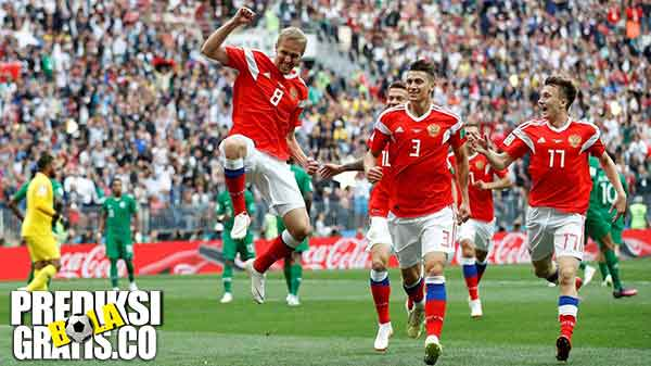 rusia vs arab saudi, denis cheryshev, aleksandr golovin, piala dunia 2018, hasil pertandingan