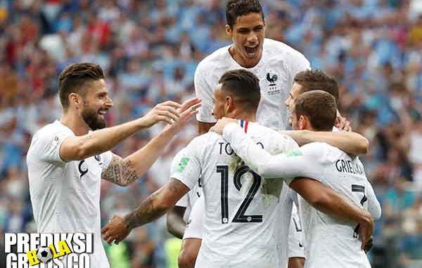 hasil pertandingan, piala dunia 2018, perempat final, uruguay vs perancis, uruguay, perancis, antoine griezmann, raphael varane, edinson cavani, luis suarez